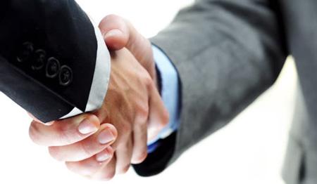 biznesmeni uścisk dłoni